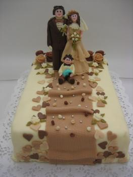 Cake with bride and groom